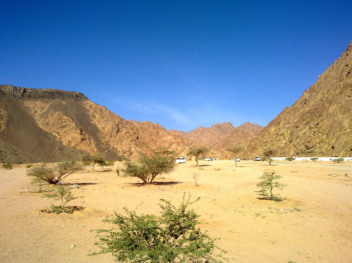 Wadi Al-Jinn (Genie Valley) Near Madinah - Does It Really Exists?
